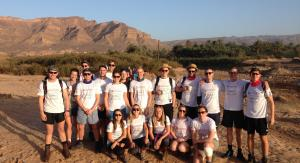 Colliers graduates in desert